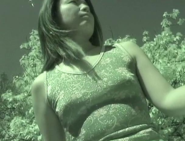 【おっぱい】胸の形、乳首がポチッとなった姿が楽しる!ノーブラで服を着た女性たちのおっぱい画像がエロすぎる!【30枚】 07