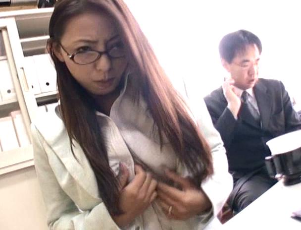 【おっぱい】夫のために変態社長に肉体契約を結ばされてしまう人妻さんのおっぱい画像がエロすぎる!【30枚】 06