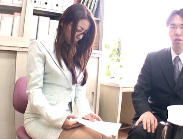 【おっぱい】夫のために変態社長に肉体契約を結ばされてしまう人妻さんのおっぱい画像がエロすぎる!【30枚】 14