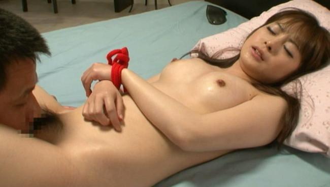 【おっぱい】セックスにマンネリ化を覚えてしまって新たな性感開発されちゃう彼女のおっぱい画像がエロすぎる!【30枚】 08