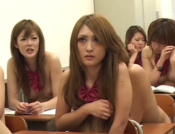 【おっぱい】全裸登校日で学校内で全裸になりながらエッチなことをしちゃう女子校生たちのおっぱい画像がエロすぎる!【30枚】 20