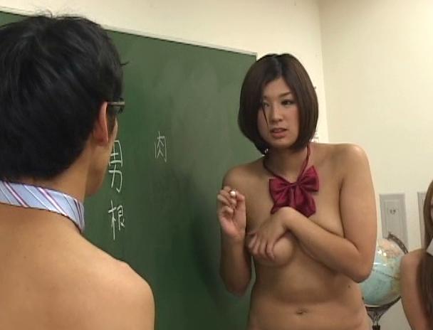 【おっぱい】全裸登校日で学校内で全裸になりながらエッチなことをしちゃう女子校生たちのおっぱい画像がエロすぎる!【30枚】 28