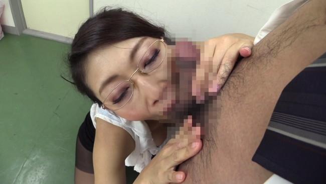 【おっぱい】痴女プレイで男性を次から次へとイカせるテクニックが絶妙な美熟女痴女優・小早川怜子さんのおっぱい画像がエロすぎる!【30枚】 16