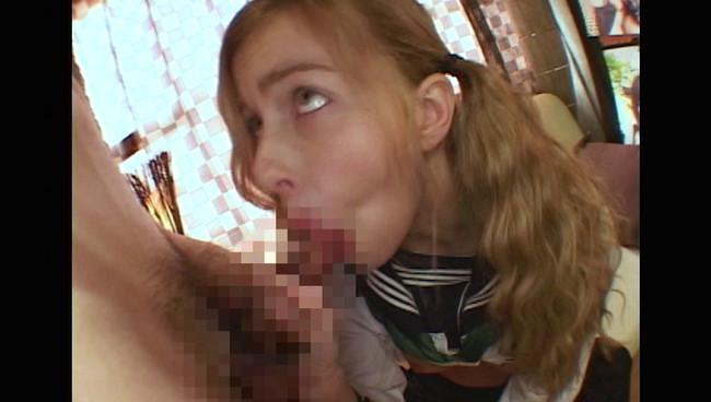 【おっぱい】日本男児のわびさび体験!硬い肉棒の味を仕込んでみた、青い目をしたパツ金JKの外国人女性たちのおっぱい画像がエロすぎる!【30枚】 10