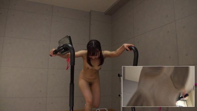 【おっぱい】汗だくになりながらも全裸でランニングし続けてくれちゃう素人の女の子たちのおっぱい画像がエロすぎる!【30枚】 27