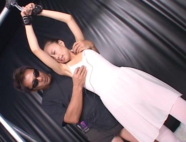 【おっぱい】元超一流バレリーナで軟体を生かした数々のセックスにチャレンジするAV女優・光矢れんちゃんのおっぱい画像がエロすぎる!【30枚】 08