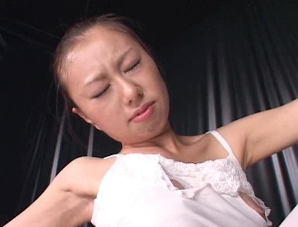 【おっぱい】元超一流バレリーナで軟体を生かした数々のセックスにチャレンジするAV女優・光矢れんちゃんのおっぱい画像がエロすぎる!【30枚】 27