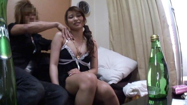 【おっぱい】魔性のセックスで男性客を魅了してやまないギャルなキャバ嬢のおっぱい画像がエロすぎる!【30枚】 01
