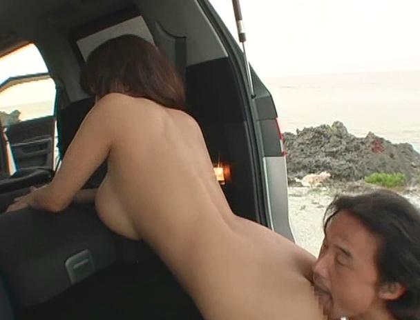 【おっぱい】南国で野外セックスをしまくってイキまくっちゃうJカップ爆乳のAV女優・Hitomiさんのおっぱい画像がエロすぎる!【30枚】 27