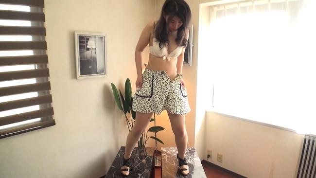 【おっぱい】初めての全裸鑑賞・全裸ヌードダンス・全裸オナニー…恥ずかしいけど踊ってみた素人娘ちゃんたちのおっぱい画像がエロすぎる!【30枚】 19