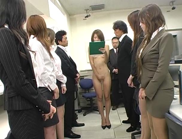 【おっぱい】会社において社員研修として卑猥なことばかりやらされてセクハラされる女子社員たちのおっぱい画像がエロすぎる!【30枚】 05