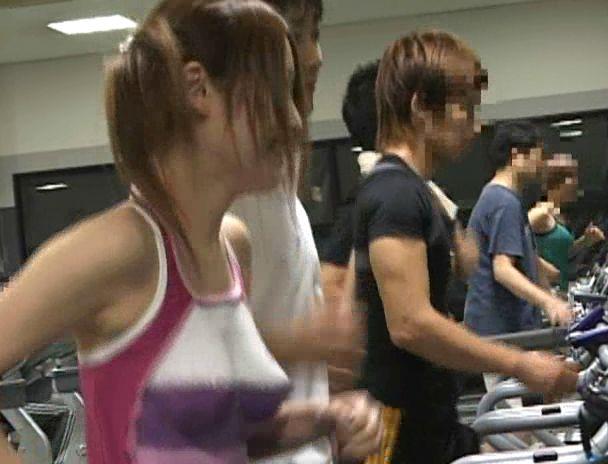 【おっぱい】パニック!汗で溶けちゃうボディペイントでスポーツクラブで全裸状態になってしまう女の子たちのおっぱい画像がエロすぎる!【30枚】 11