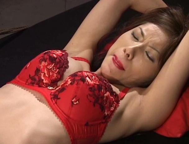 【おっぱい】性科学研究所員が施すポルチオ性感を、身を以て伝授された、スーパーボディにして最強の痴女のおっぱい画像がエロすぎる!【30枚】 16