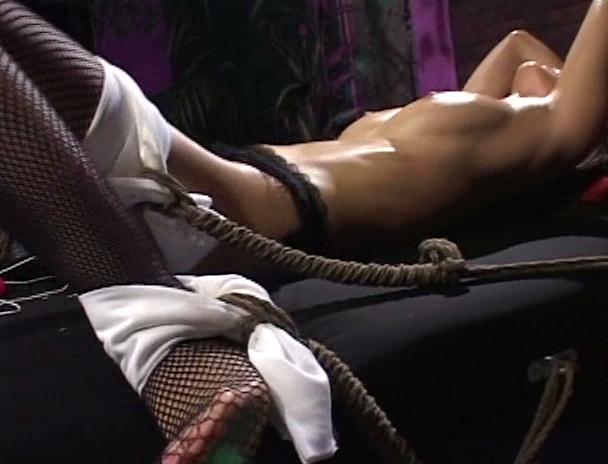 【おっぱい】性科学研究所員が施すポルチオ性感を、身を以て伝授された、スーパーボディにして最強の痴女のおっぱい画像がエロすぎる!【30枚】 26
