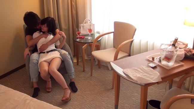 【おっぱい】街頭インタビューに出てくるような美男彼氏を連れていたのでそのままホテル盗撮されちゃう彼女のおっぱい画像がエロすぎる!【30枚】 04