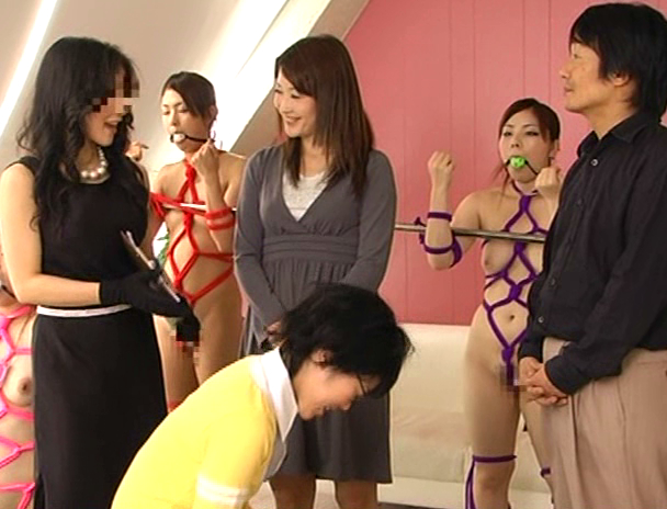 【おっぱい】全裸で緊縛・猿轡をされて人間玩具として一家に一体設置されてはエッチなことをされまくっちゃう女の子たちのおっぱい画像がエロすぎる!【30枚】 16