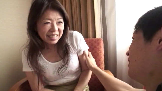 【おっぱい】ナンパされちゃってホテルに連れ込まれて大好きなセックスで中出しされちゃった人妻さんたちのおっぱい画像がエロすぎる!【30枚】 07