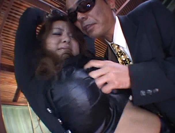 【おっぱい】潜入捜査で悪の団体に捕まってしまって拘束されて凌辱されまくってしまう爆乳仕置き人のおっぱい画像がエロすぎる!【30枚】 19