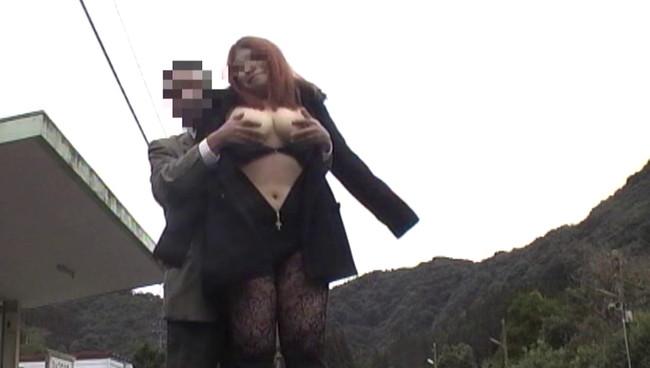 【おっぱい】どこでもかしこでも露出をして楽しんじゃって、そのままセックスまでしちゃうド変態露出狂女たちのおっぱい画像がエロすぎる!【30枚】 30