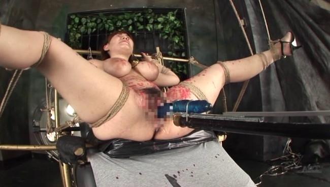 【おっぱい】M字開脚で拘束されて徹底的なアクメで調教されては悶絶しまくっちゃうM女たちのおっぱい画像がエロすぎる!【30枚】 21
