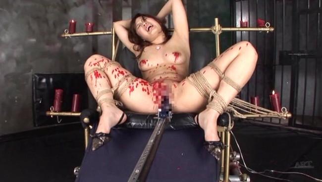【おっぱい】M字開脚で拘束されて徹底的なアクメで調教されては悶絶しまくっちゃうM女たちのおっぱい画像がエロすぎる!【30枚】 22