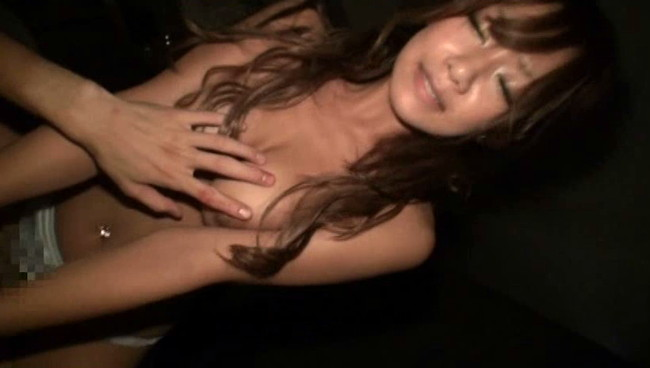 【おっぱい】セックスで見事な褐色BODYをクネらせて、下品に何度も絶頂しちゃう美巨乳な女の子のおっぱい画像がエロすぎる!【30枚】 23