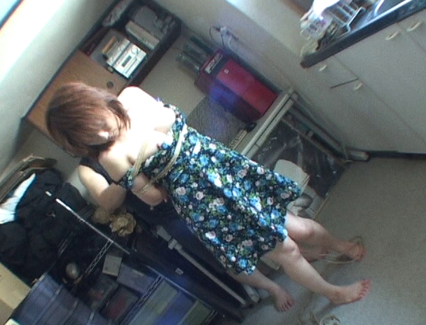 【おっぱい】緊縛マニアの間では裸で緊縛よりも興奮すると言われている私服で緊縛されちゃう女性たちのおっぱい画像がエロすぎる!【30枚】 09