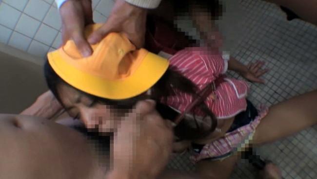 【おっぱい】先生たちに拘束され、終わらない電マ拷問とイマラチオで窒息と悶絶を繰り返し朦朧としている美少女たちのおっぱい画像がエロすぎる!【30枚】 25