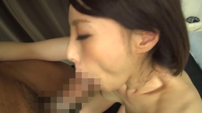 【おっぱい】旦那さんとセックスレスで欲求不満なところを誘われて中出しセックスまでされちゃった美熟女・美乳な人妻さんのおっぱい画像がエロすぎる!【30枚】 21