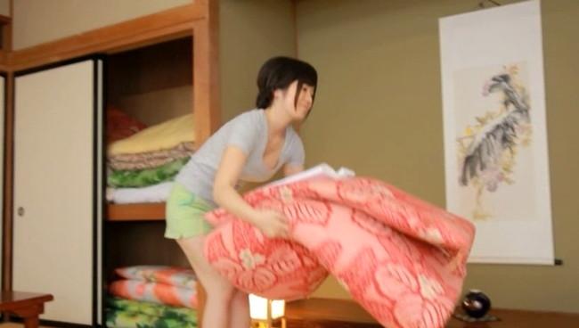 【おっぱい】ひなびた温泉宿に宿泊すると、最高の中出しセックスサービスでおもてなししてくれた女子校生のおっぱい画像がエロすぎる!【30枚】 14
