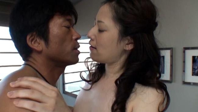 【おっぱい】「あなたのキス顔を見せて下さい!」てなぐあいでナンパされちゃってエッチまでしちゃう女の子たちのおっぱい画像がエロすぎる!【30枚】 13