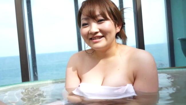 【おっぱい】揉みまくり温旅行に一緒に来てくれちゃったGカップのおっとり巨乳専門学生の女の子のおっぱい画像がエロすぎる!【30枚】 15