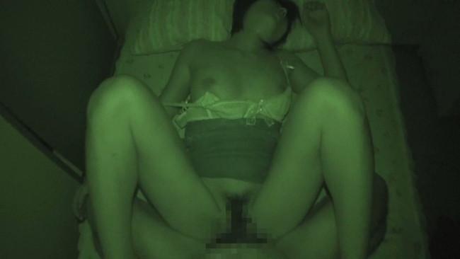 【おっぱい】禁断夜這いで寝ているところで自由を奪われて男たちに凌辱されてしまう女性たちのおっぱい画像がエロすぎる!【30枚】 23