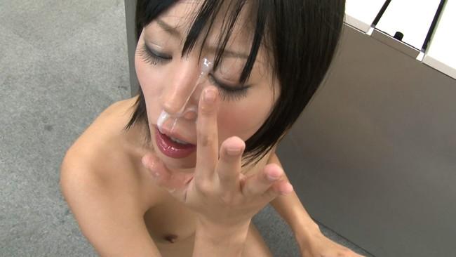 【おっぱい】日本国民全裸の日に乗じて男の精子を全て搾り出してごっくんしちゃうごっくん痴女たちのおっぱい画像がエロすぎる!【30枚】 17