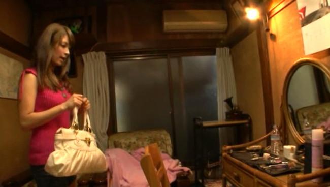 【おっぱい】多額の借金を返済するためにAV出演を決意した美形ハーフの英会話講師の女性のおっぱい画像がエロすぎる!【30枚】 01