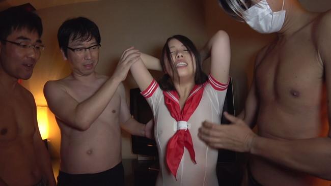 【おっぱい】SNSで見つけたどんな男性も好みになっちゃうようなGカップ美巨乳女子校生ちゃんのおっぱい画像がエロすぎる!【30枚】 11