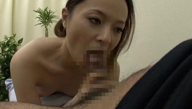【おっぱい】チ○ポ露出でヌキ依頼してみたら、2人きりの病室で性欲処理をしてくれるナースさんたちのおっぱい画像がエロすぎる!【30枚】 16