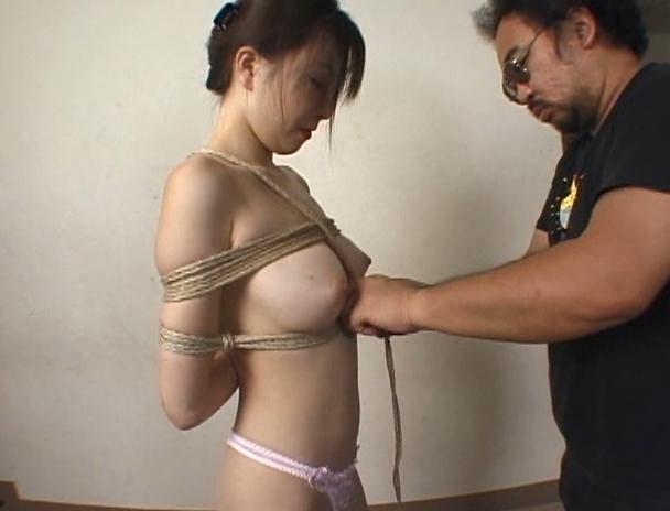 【おっぱい】初心者に向けた緊縛術のHowto教材にてプロの緊縛師に縛り上げられているM女たちのおっぱい画像がエロすぎる!【30枚】 18