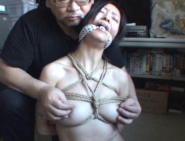 【おっぱい】麻縄で縛り上げられることを強く懇願しちゃうほど緊縛プレイが大好きなドM女性たちのおっぱい画像がエロすぎる!【30枚】 05