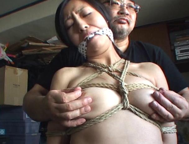 【おっぱい】麻縄で縛り上げられることを強く懇願しちゃうほど緊縛プレイが大好きなドM女性たちのおっぱい画像がエロすぎる!【30枚】 18