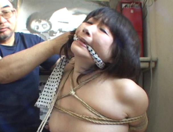 【おっぱい】麻縄で縛り上げられることを強く懇願しちゃうほど緊縛プレイが大好きなドM女性たちのおっぱい画像がエロすぎる!【30枚】 20