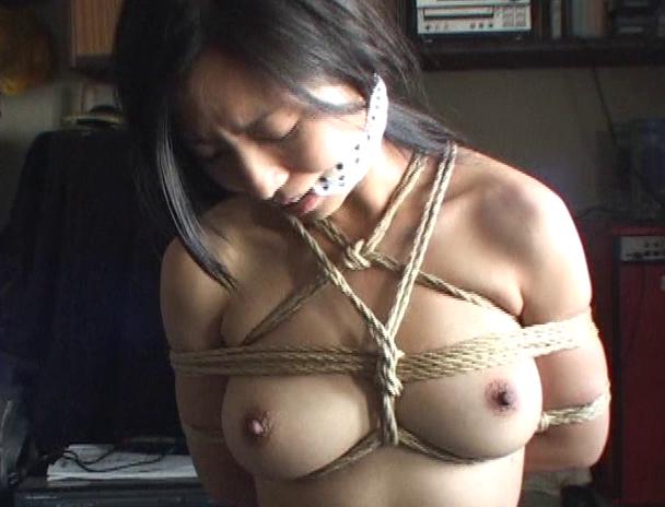 【おっぱい】麻縄で縛り上げられることを強く懇願しちゃうほど緊縛プレイが大好きなドM女性たちのおっぱい画像がエロすぎる!【30枚】 22
