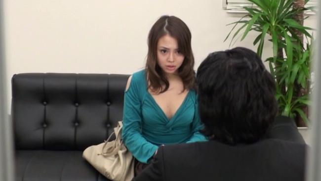 【おっぱい】借金を返済するためなら簡単に裸になってセックスまでしちゃう借金問題でお困りな女性たちのおっぱい画像がエロすぎる!【30枚】 14