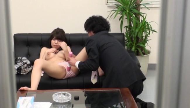 【おっぱい】借金を返済するためなら簡単に裸になってセックスまでしちゃう借金問題でお困りな女性たちのおっぱい画像がエロすぎる!【30枚】 16