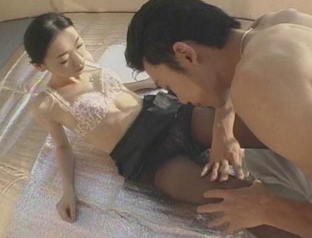 【おっぱい】自分の欲望を書いた日記通りの男にカラダを弄ばれる美しき人妻であるCAさんのおっぱい画像がエロすぎる!【30枚】 01