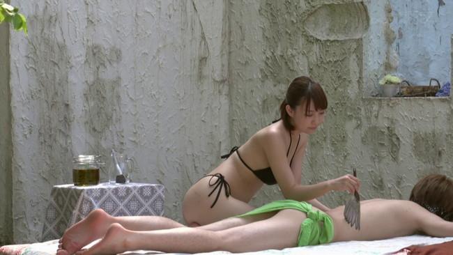 【おっぱい】常に性交しながらビキニオイルマッサージをしてくれちゃう洗練された巨乳エステティシャンたちのおっぱい画像がエロすぎる!【30枚】 05