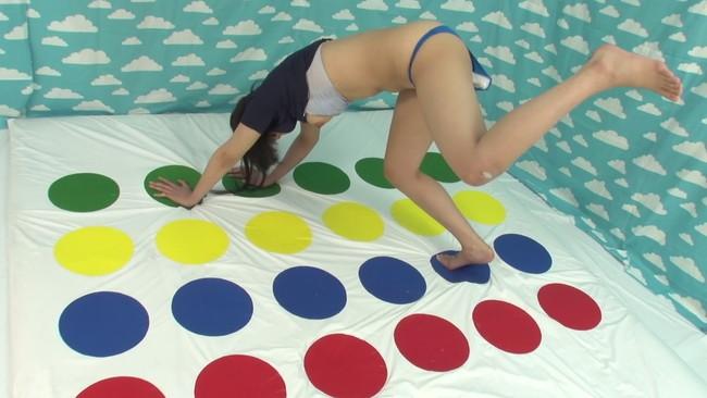 【おっぱい】巨乳女子大生限定!固定バイブツ○スターゲームで罰ゲームの中出しセックスされちゃう女の子たちのおっぱい画像がエロすぎる!【30枚】 12