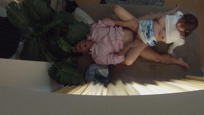 【おっぱい】ナンパ連れ込み部屋で隠しカメラ配置で痴態激撮に死角なし!酔いに任せてチ○ポを貪る人妻さんたちのおっぱい画像がエロすぎる!【30枚】 17