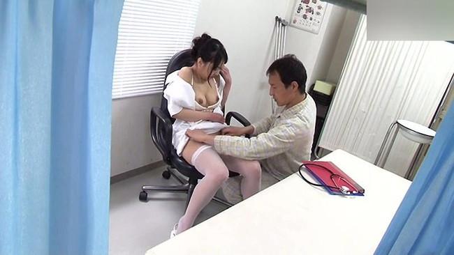 【おっぱい】検査入院&生活改善で病院に入院したらヤラせてくれた噂の美人看護師たちのおっぱい画像がエロすぎる!【30枚】 28