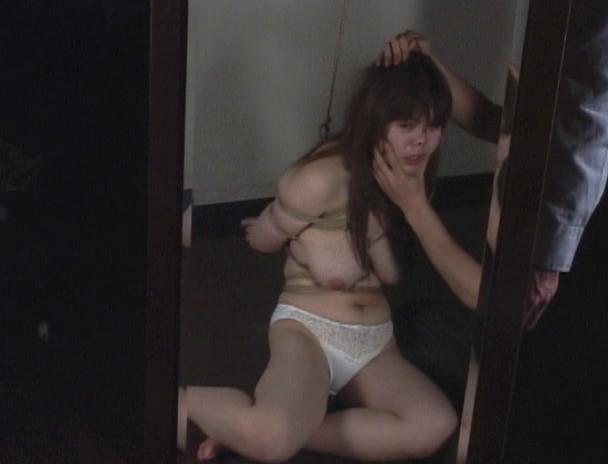 【おっぱい】止めどなく施される乳縛と乳虐に泣いて、鳴いて、啼きぢゃくる!素人巨乳娘ちゃんのおっぱい画像がエロすぎる!【30枚】 27